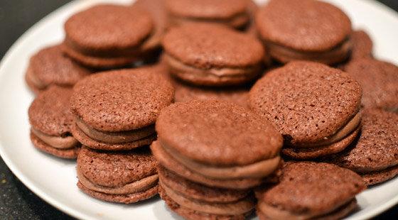 chokolade macarons opskrift