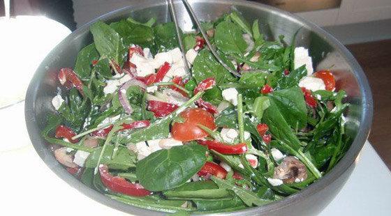 Salat feta spinat